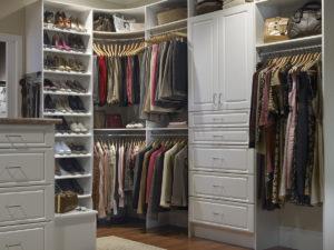 Прихожие и гардеробные