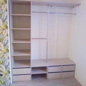 гардеробная из кладовки 2 квадратных метра