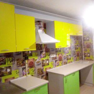 цветной кухонный гарнитур